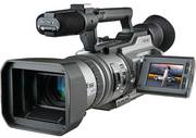 Продам видеокамеру Sony DCR-VX2100E