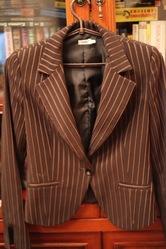 женский классический костюм, размер-38, цвет-черный, брюки ровные