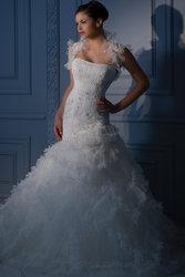 Продается роскошное свадебное платье с болеро Demetrios (США)