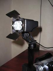 накамерный свет (галогенки 2 по 20 Ватт) в комплекте
